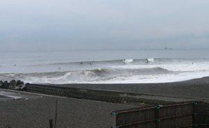 朝の茅ヶ崎 台風11号&12号スウェル