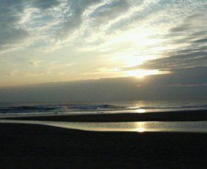 朝の木崎浜