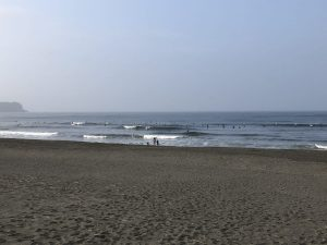 松波地下道前まで遠征の早朝サーフィン
